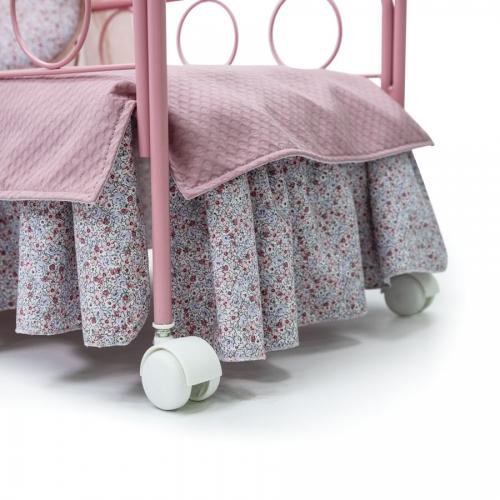 cuna-liberty-rosa-2530R-detalle-ruedas-juguetes-bebelux